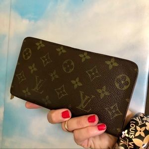 Louis Vuitton Monogram Zippy Wallet Clutch Vintage